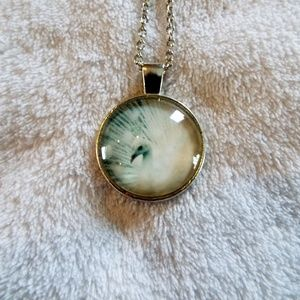 Beautiful White peacock cabochon necklace new